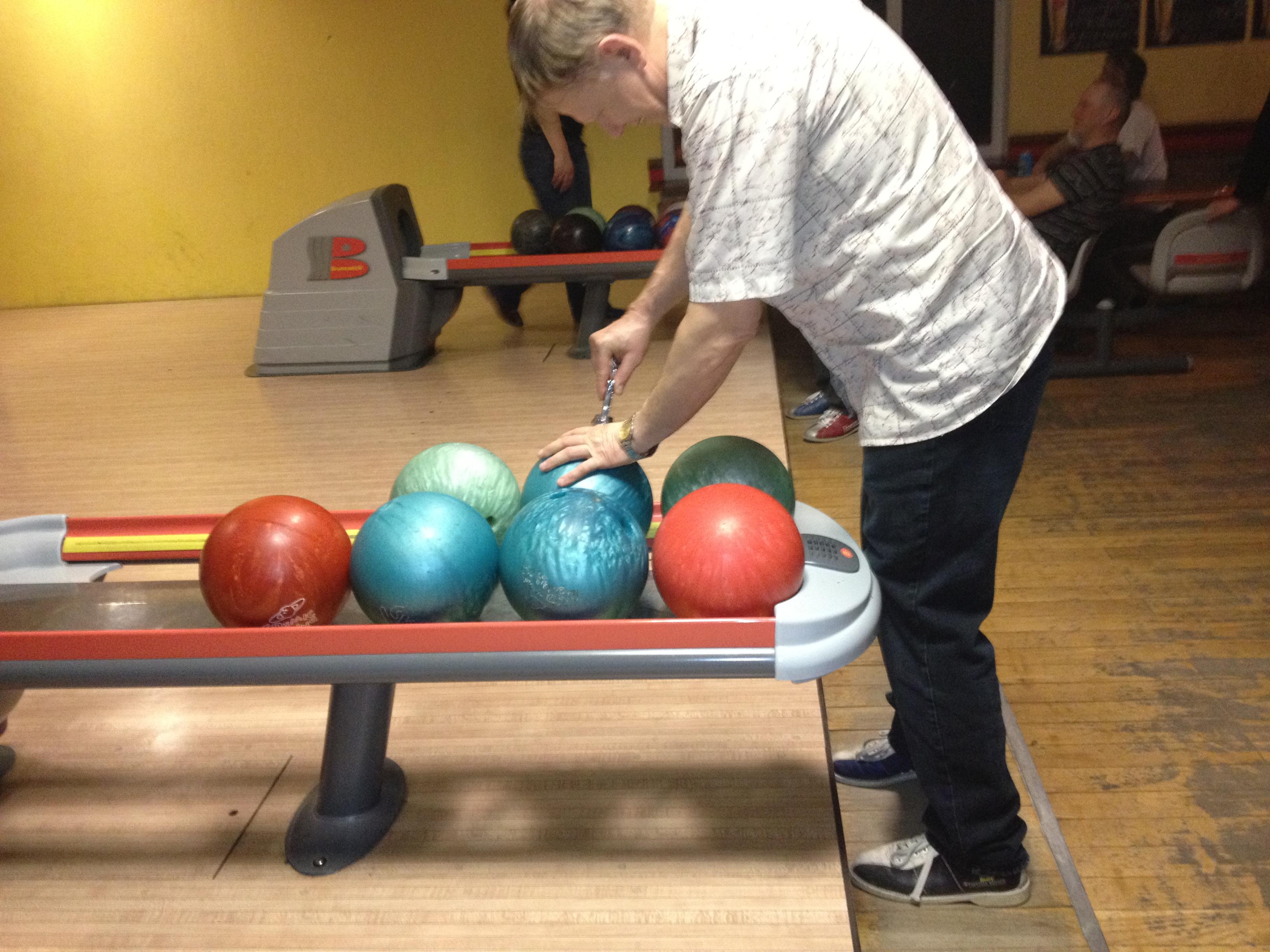 Bowlingu kuuli puurija